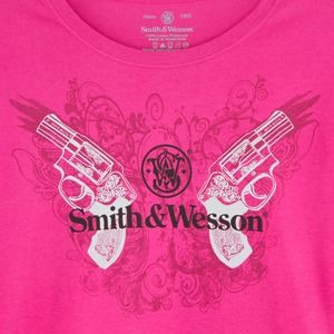 New SMITH & WESSON Women's MEDIUM T-shirt Angel Wings Pink Revolvers Tee Shirt